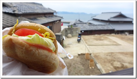 瀬戸内国際芸術祭 ドリームカフェ めおんバーガー