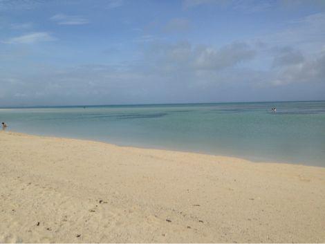 コンドイ浜の干潮時の浅瀬