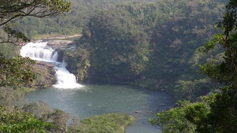 浦内川クルーズのマリユドゥの滝