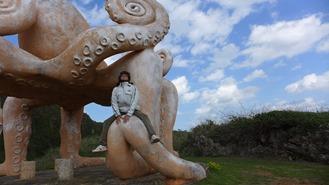 来間島のタコ公園のタコのオブジェ