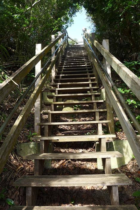 大神島の展望台への登り