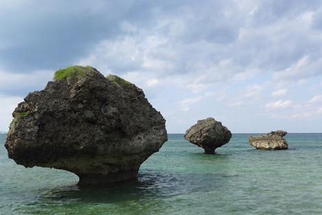 大神島の奇石(ノッチ)2
