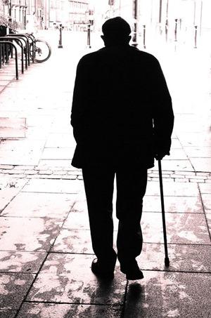 孤独の老人