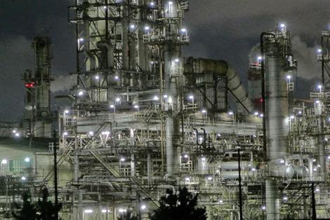 四日市工場地帯夜景撮影lumix-lx7白黒
