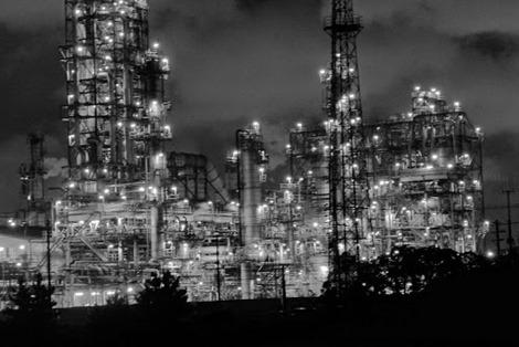 四日市工場地帯夜景撮影lumix-lx7 白黒
