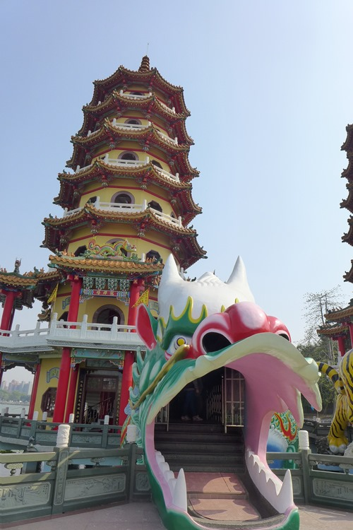 龍虎塔の龍