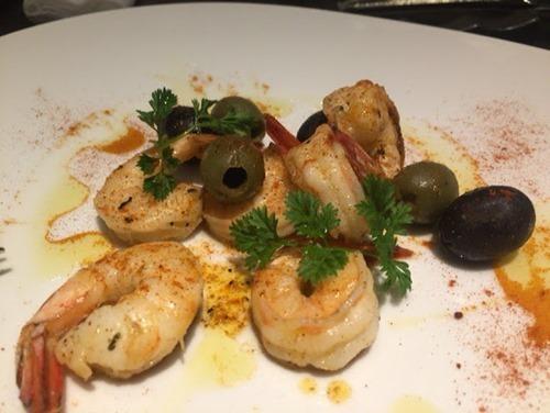カラフー KARAFUU フランス料理 エビとオリーブのケイジャン風