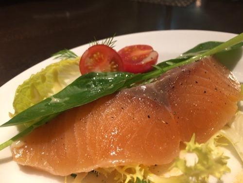カラフー KARAFUU フランス料理 サーモンマリネ
